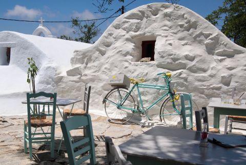 Apospero Restaurant in Chora