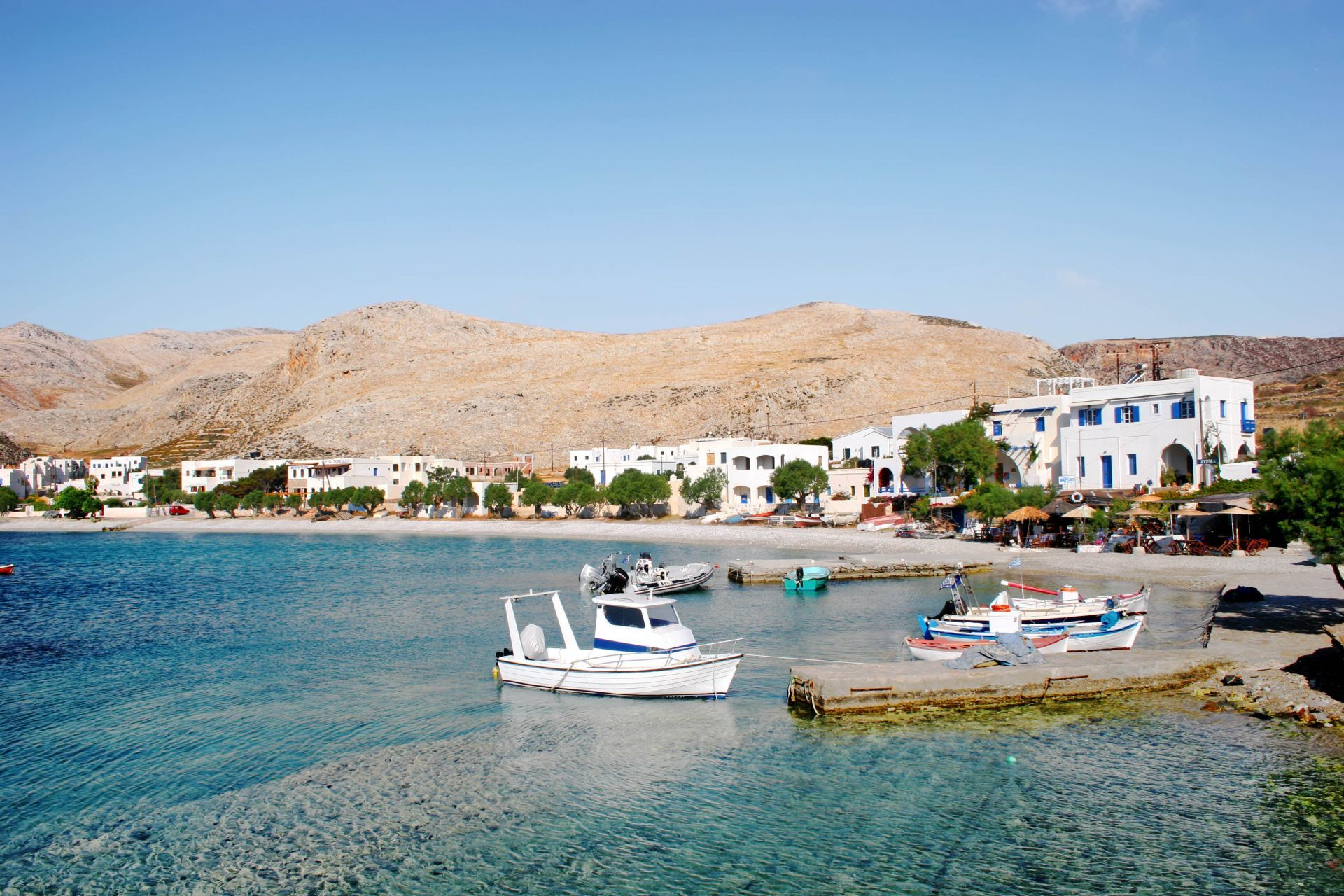 Accommodation and hotels in Folegandros