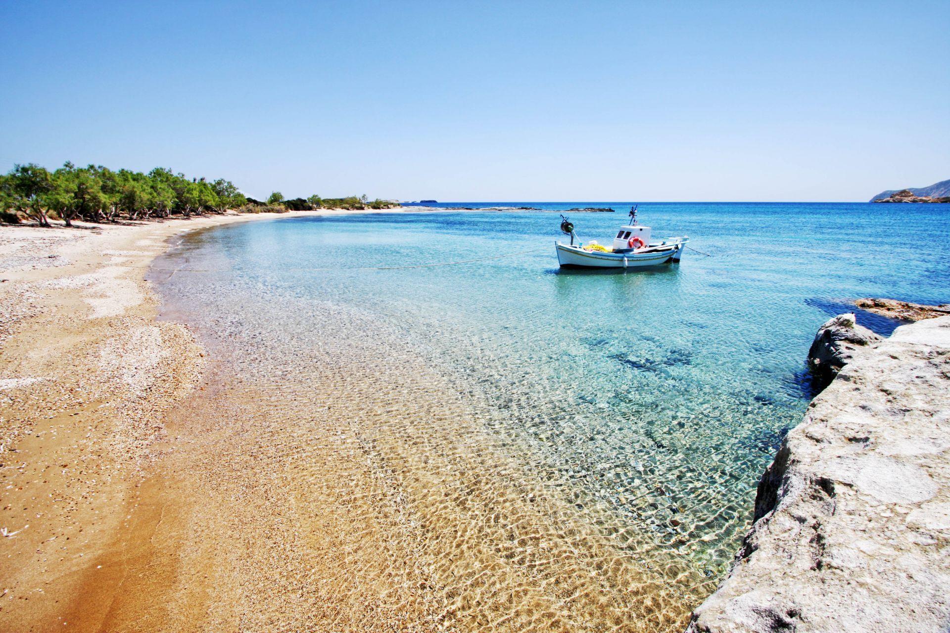 Kimolos island: Kalamitsi