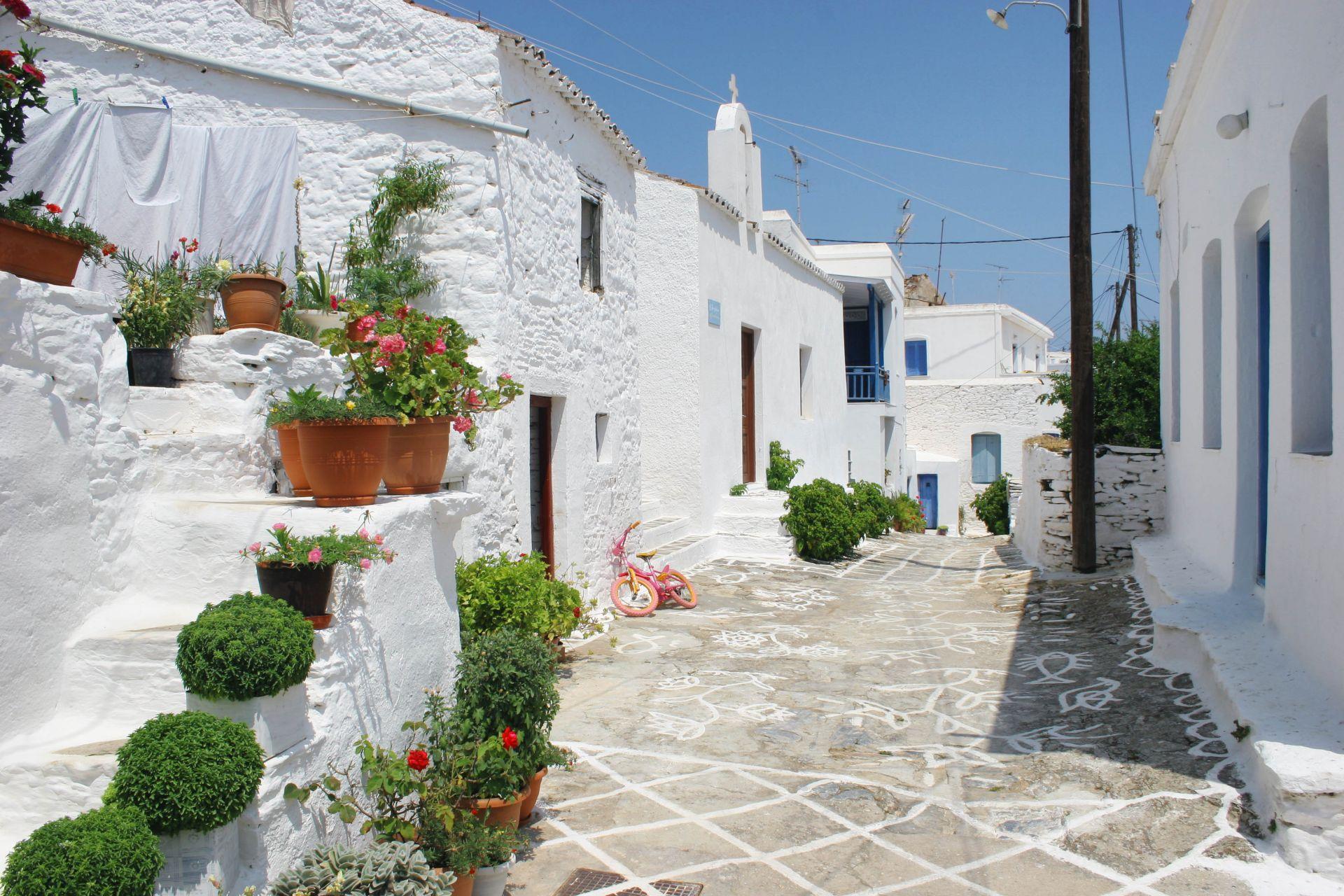 Kythnos island: Chora