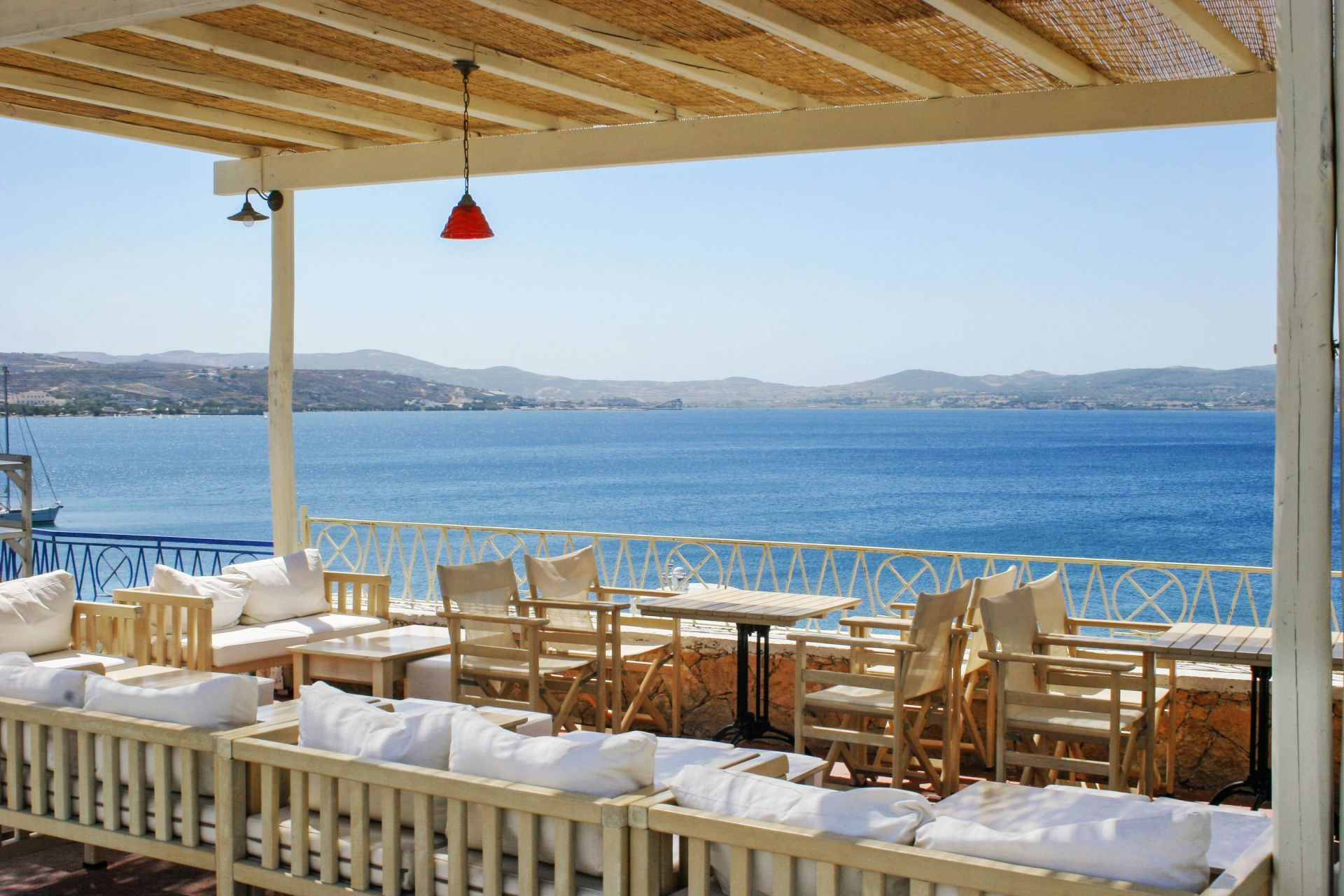 Cafes in Milos