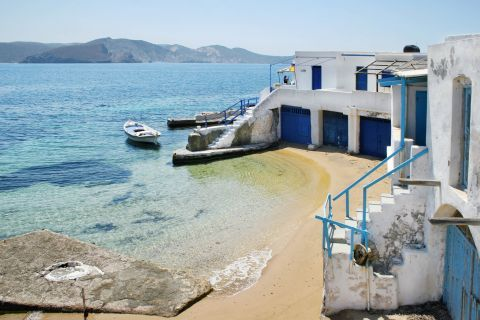 Fourkovouni is a traditional fishing village
