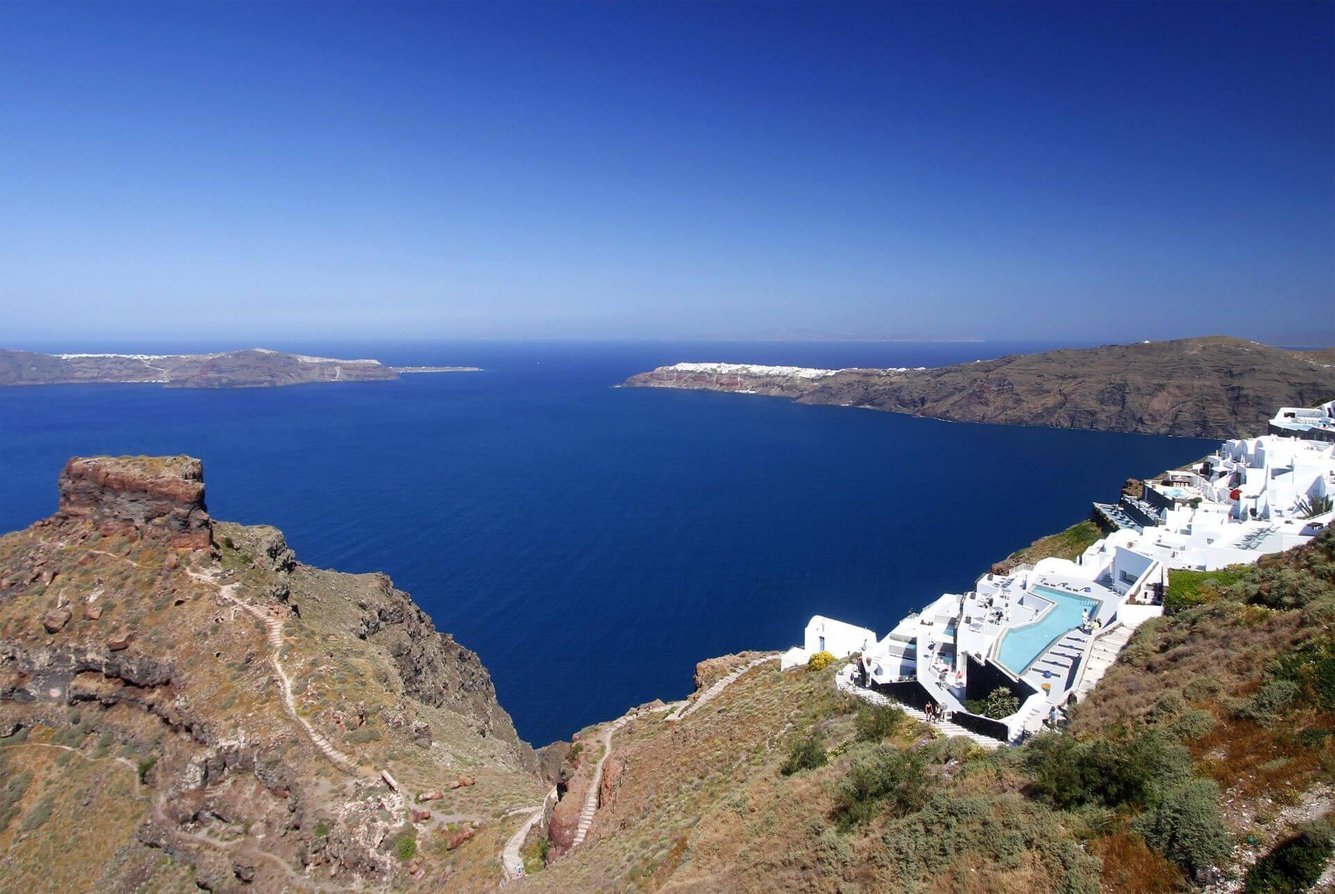 Santorini accommodation and hotels: Ambassador hotel