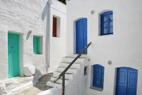 Whitewashed houses with colored details