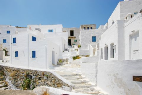 Chora is ideal for those who like going for a stroll or exploring.