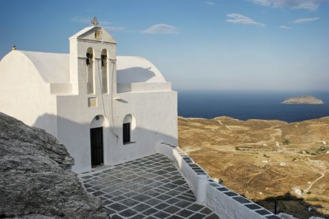 A whitewashed chapel on a high spot in Chora. It offers splendid view over the surrounding area.