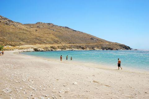 Azure waters and soft sand. Ganema beach.