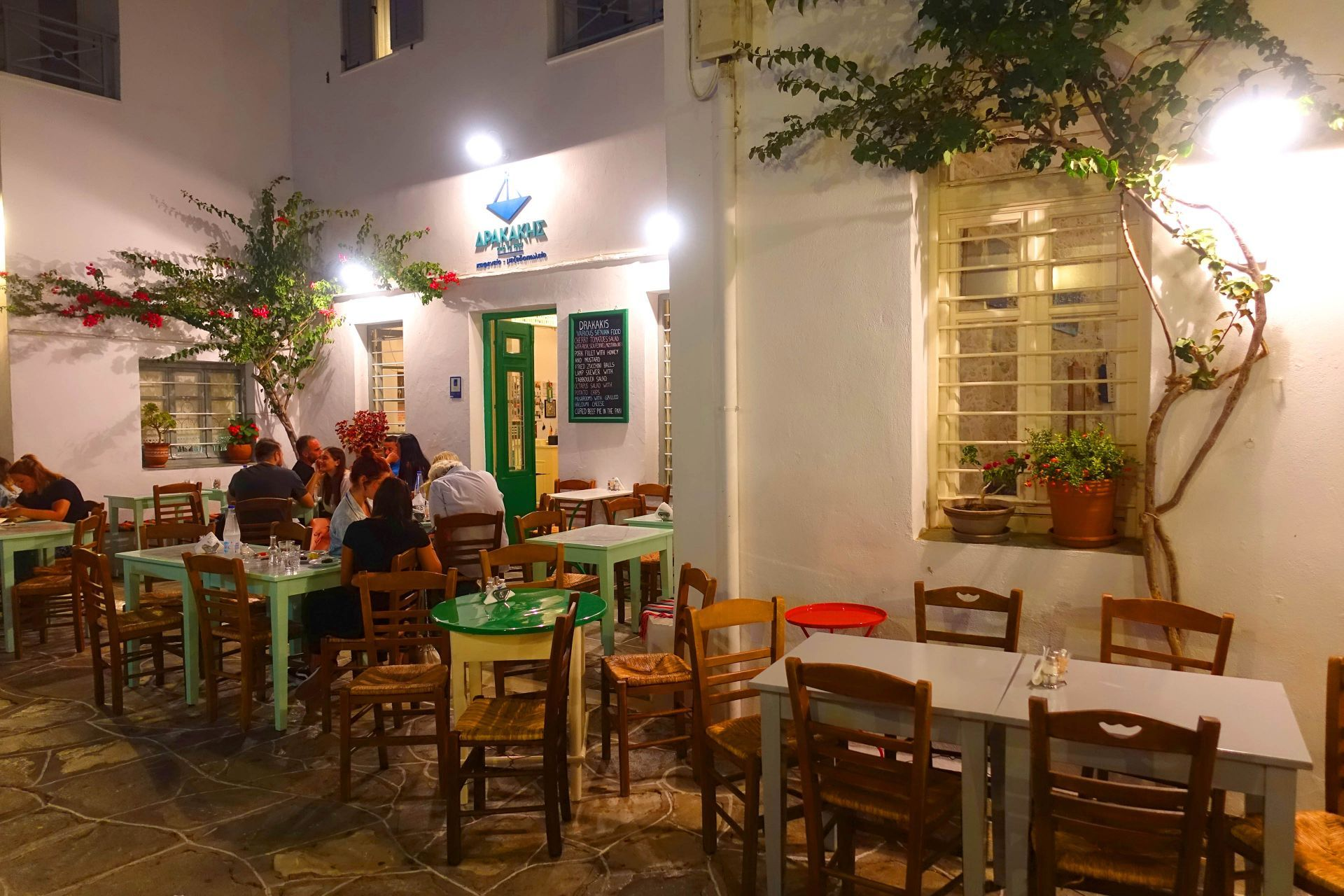 Eat and drink in Sikinos