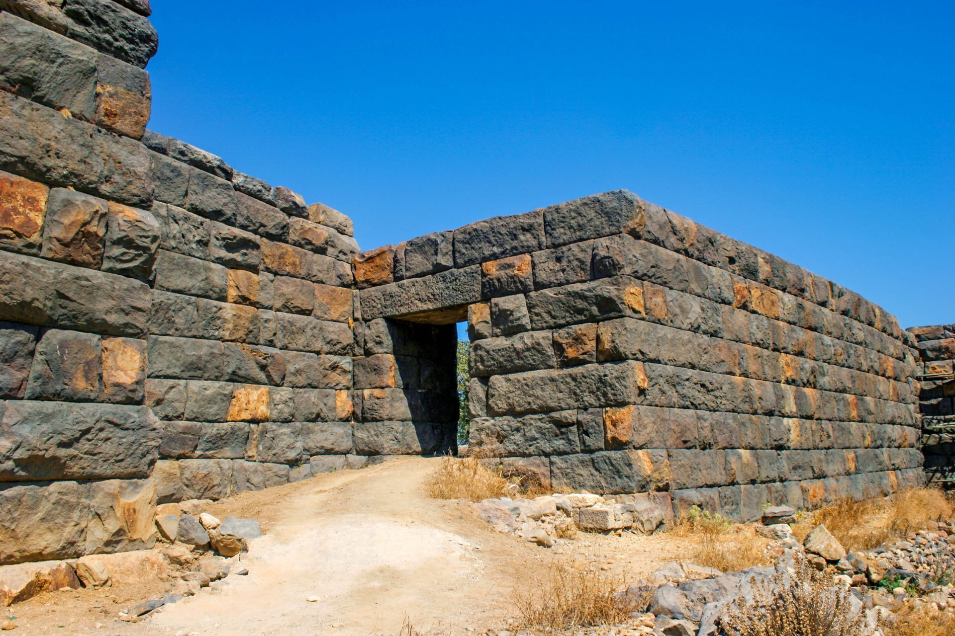Nisyros island: Paleokastro