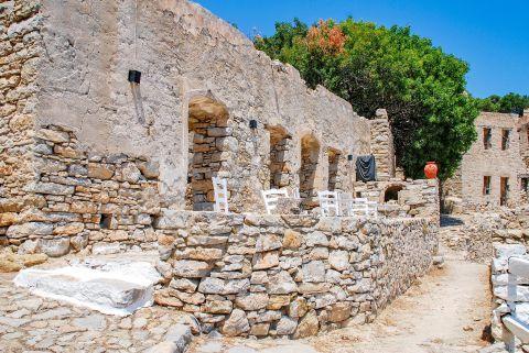 Stone built ruins in Mikro Chorio village
