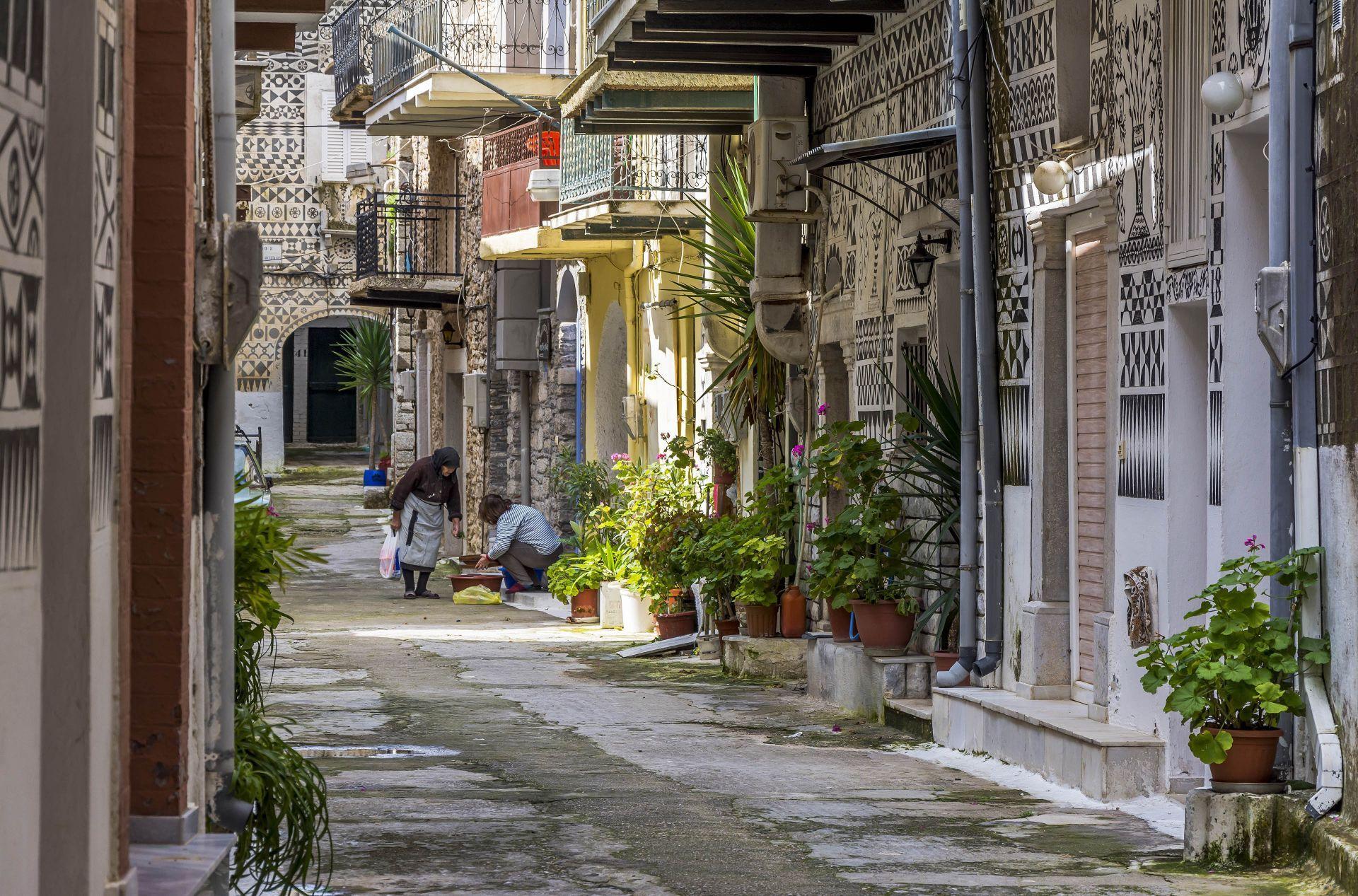 Chios island: Pyrgi village