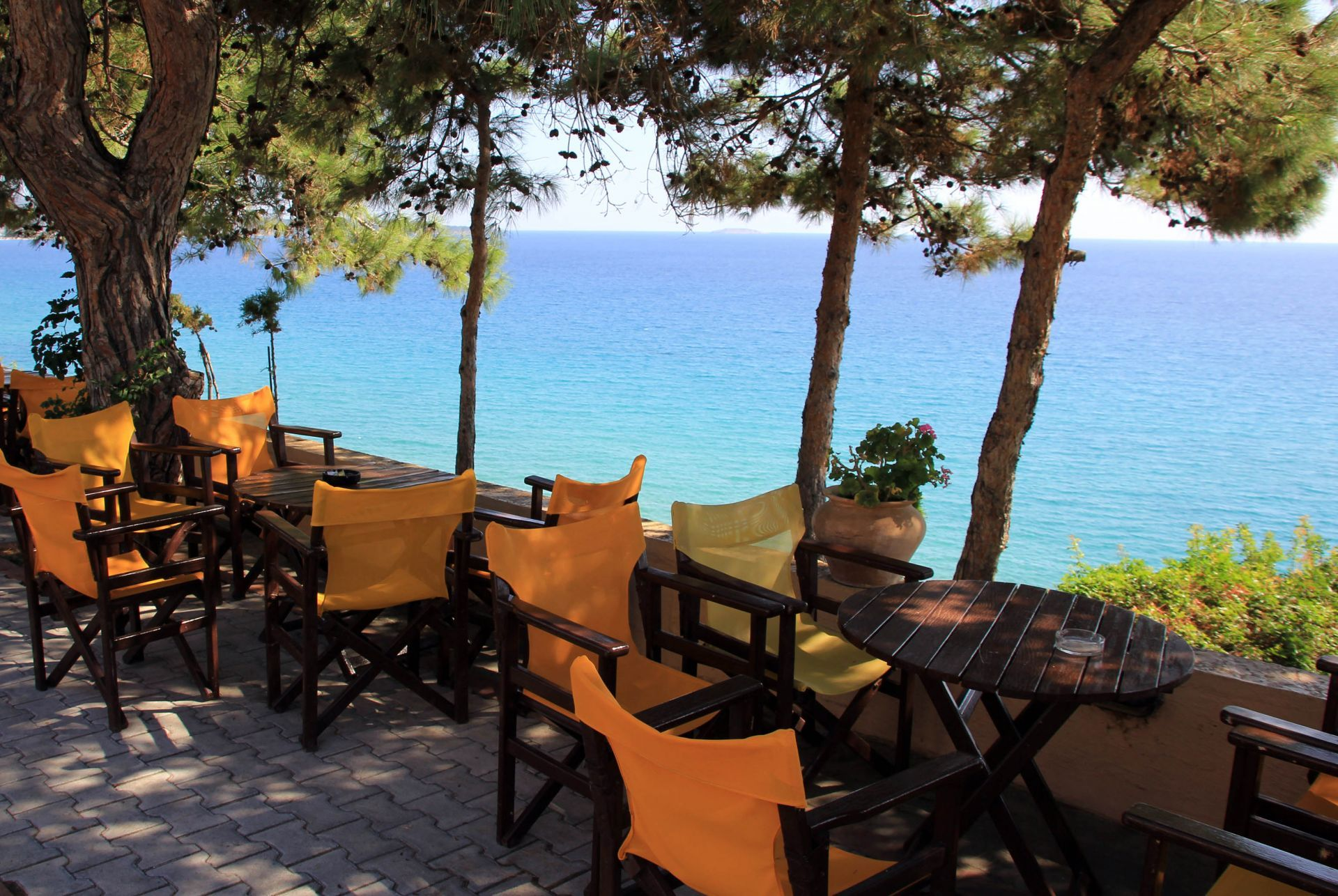 Bars in Thassos