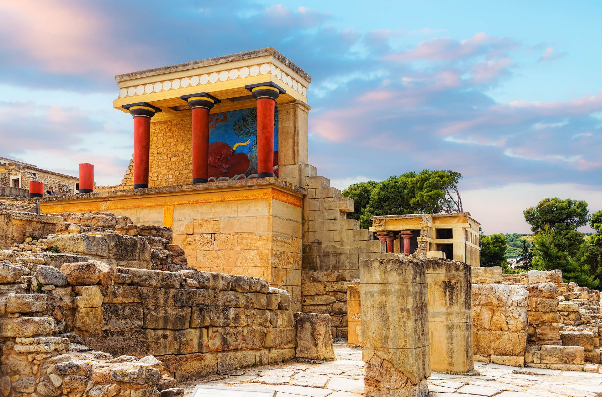 Crete Greece: Knossos palace in Heraklion, Crete