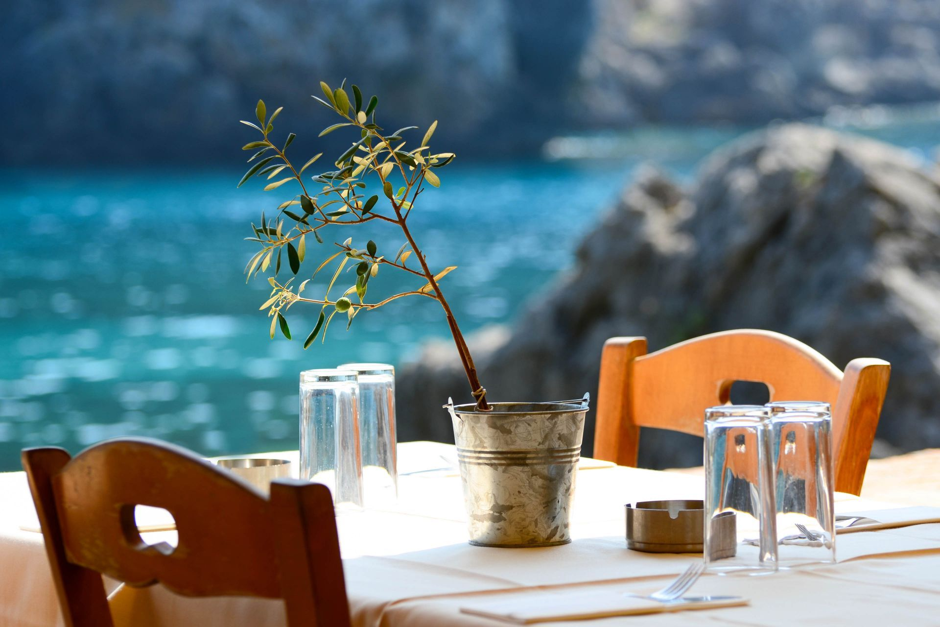 Eat & Drink in Greece and on the islands