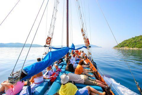 Boat trips around the beautiful island of Lefkada.
