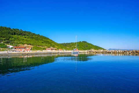Deep blue waters and green hills, Plakes village