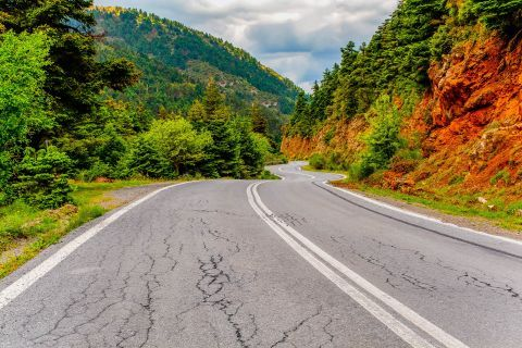 Admire the impressive nature, while travelling to Kalavryta