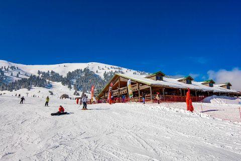 Skiing in Helmos Ski Centre