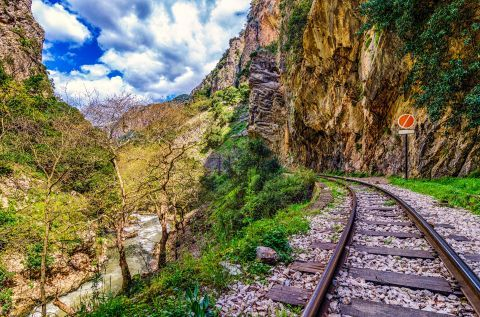 Admire the impressive nature of Kalavryta, when travelling on train