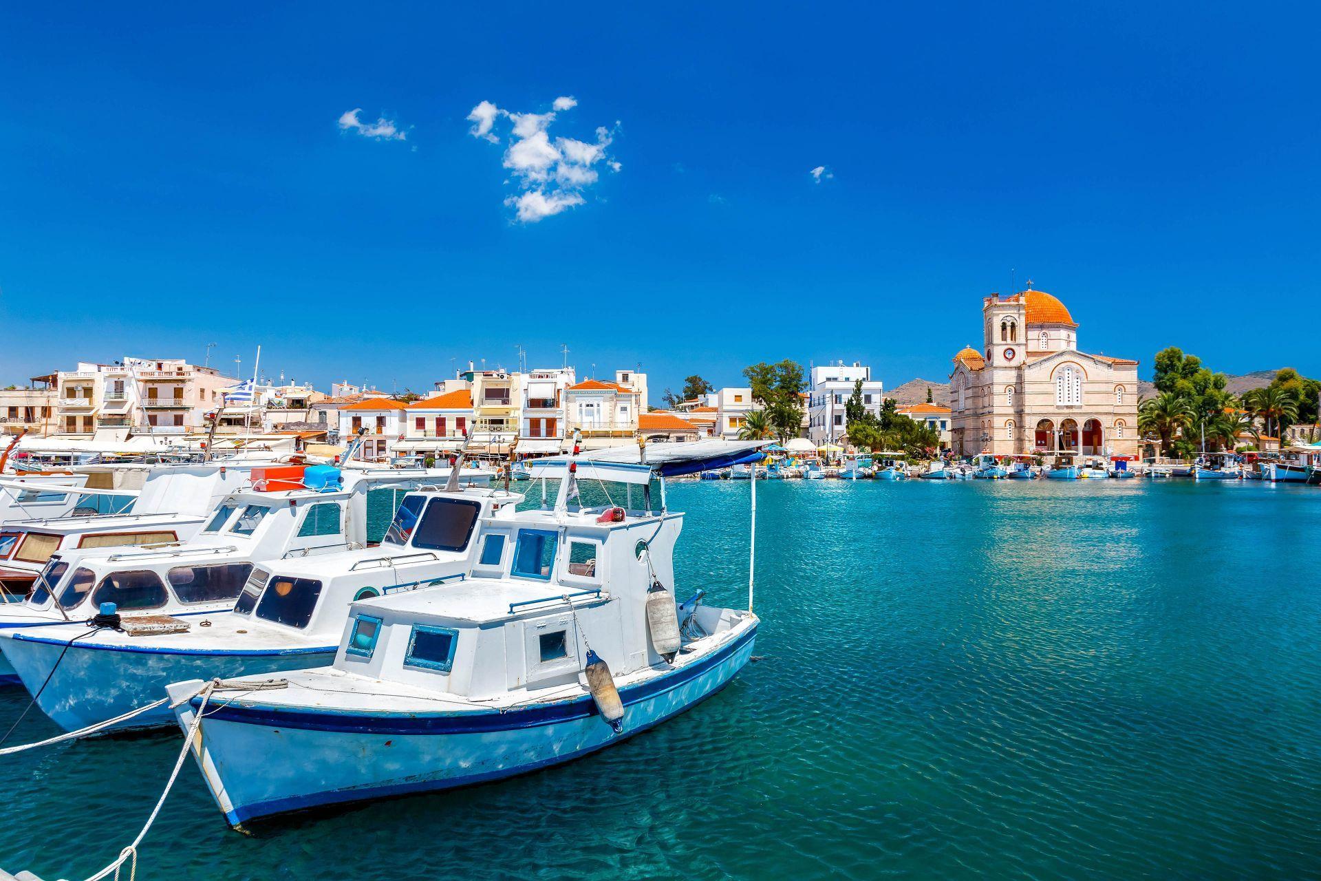 Aegina island: Town