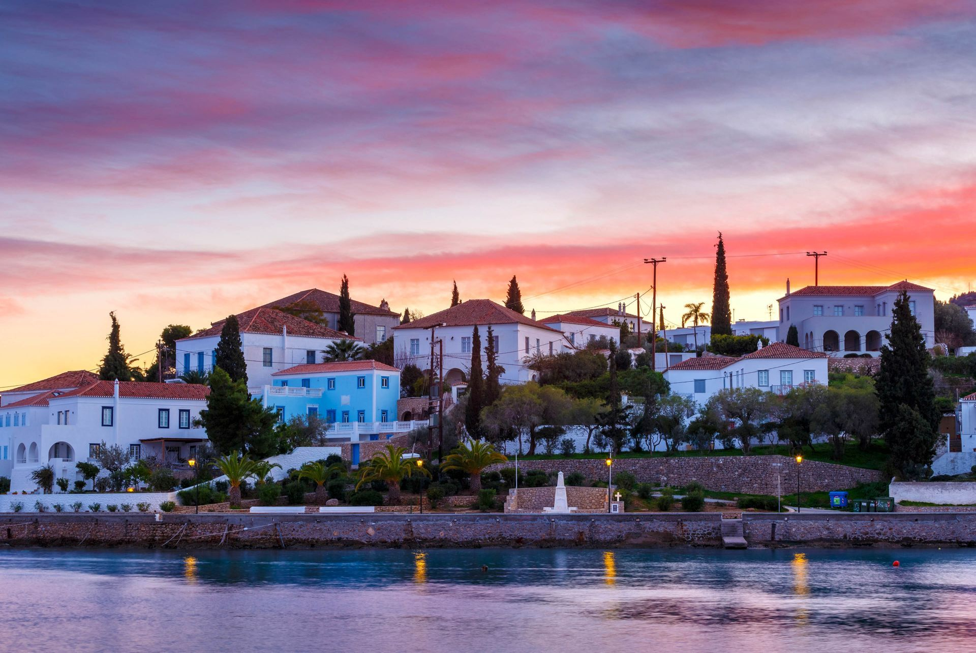 Accommodation and hotels in Spetses