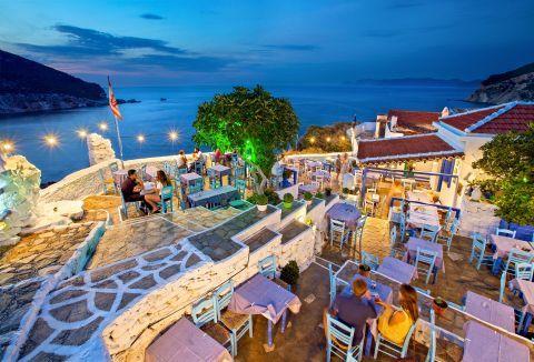 Romantic dinner in Skopelos.