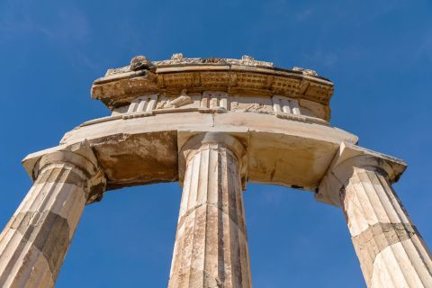 Impressive decoration and architecture of the Temple of Athena