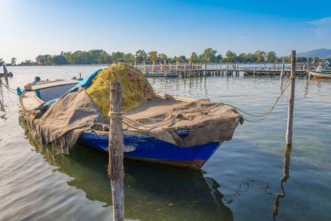 A fishing boat in Tourlida