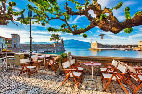 A quiet spot with relaxing view in Nafpaktos