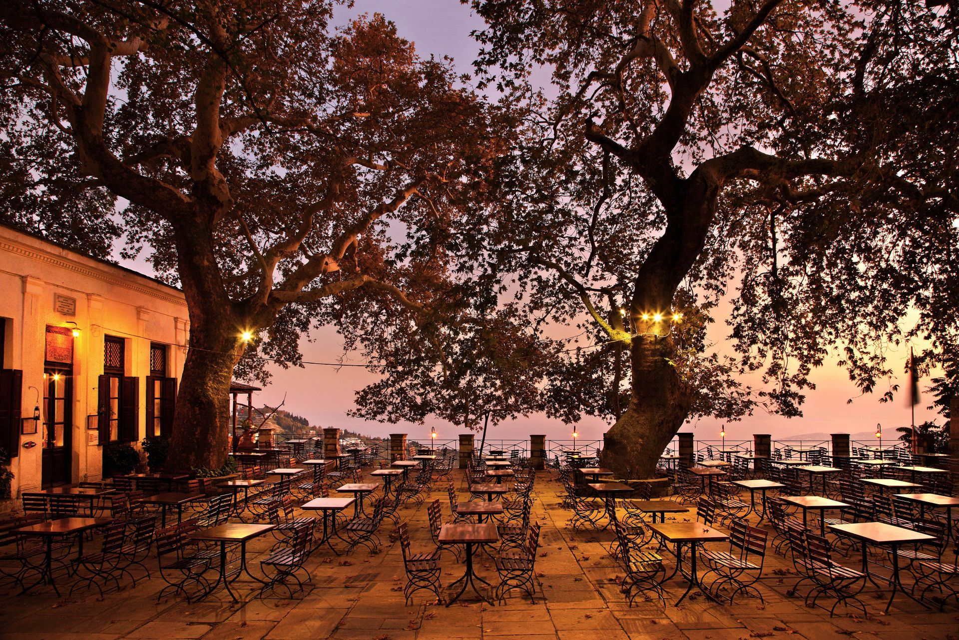 Places to eat and drink in Pelion