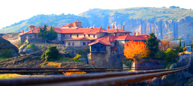 Book tour to Meteora and Delphi