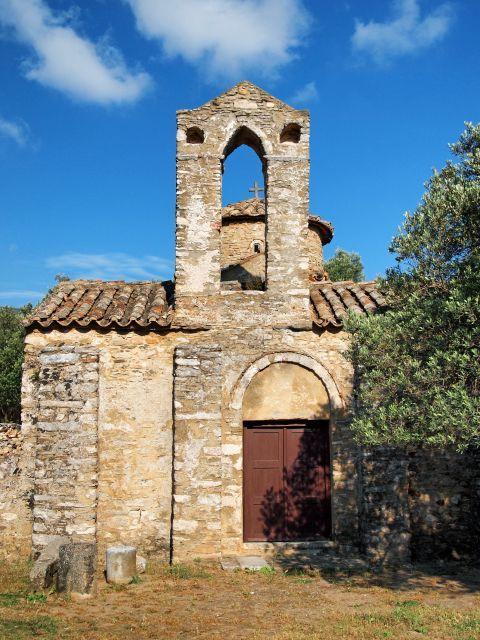 Agios Georgios Diasoritis: The church of Agios Georgios Diasoritis