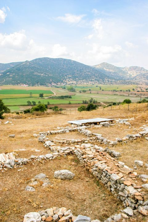 Lousoi was a flourishing small city, in which was built the Temple of Artemis Hemerasias.