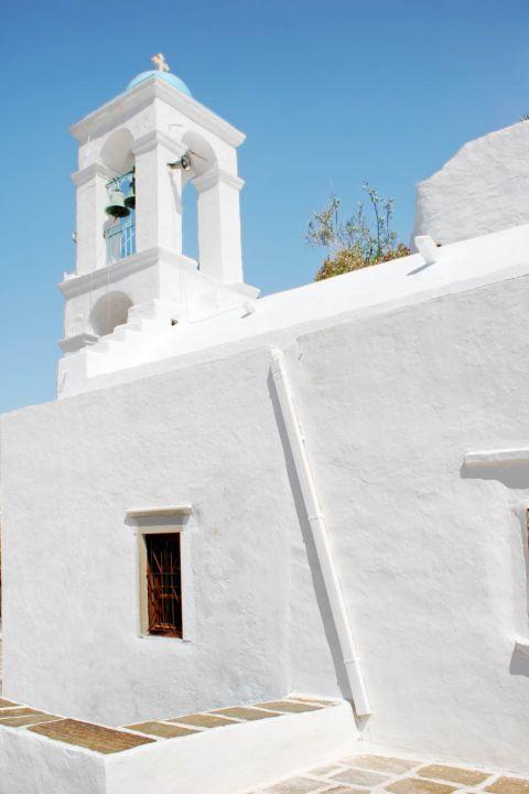 Panagia Gremiotissa: The whitewashed church of Panagia Gremiotissa