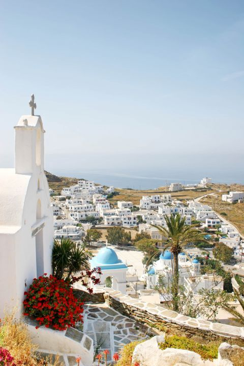 Panagia Gremiotissa: A beautiful landscape of Ios and its whitewashed houses