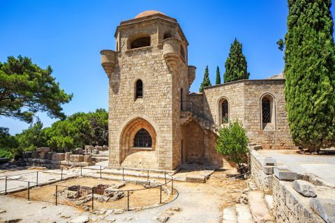 The monastery was constructed with stone in a Gothic style, on the site of an older Byzantine monastery.