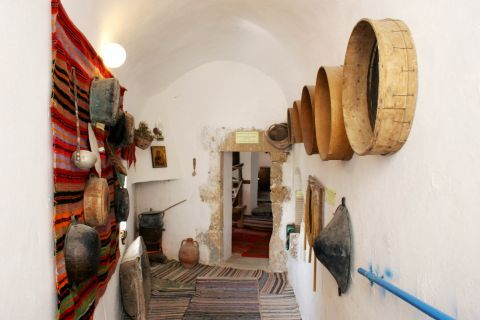 Chrissoskalitissa monastery: Old cooking items