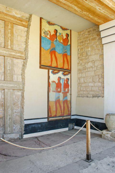 Knossos Palace: Prince frescoes