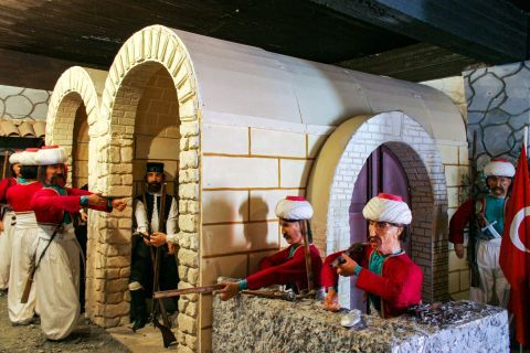 Wax Museum: In this museum figures from the Cretan history are displayed.