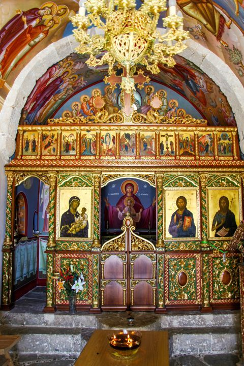 Agios Ioannis Monastery: Well preserved icons and wall frescoes.