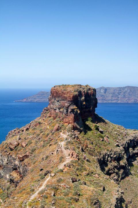 Skaros Rock: Skaros Rock in Santorini