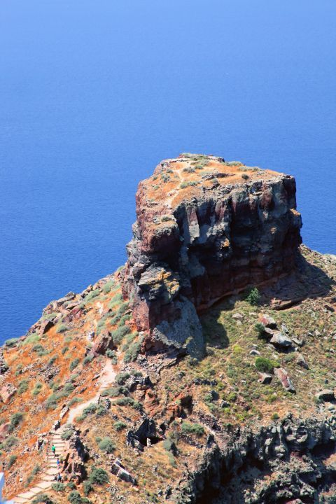 The unspoiled Skaros Rock