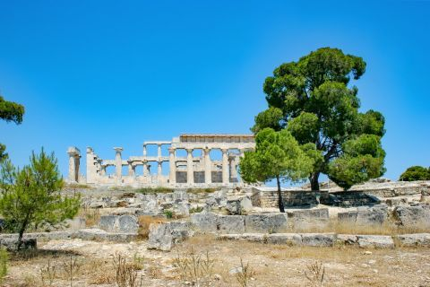 Athena Aphaia Temple: This is one of the ancient architectural wonders of ancient Greece.