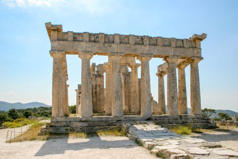 Athena Aphaia Temple: What is really amazing is that the  Temple of Aphaia, the Temple of Poseidon in Sounion and the Parthenon in Athens geographically form an isosceles triangle.