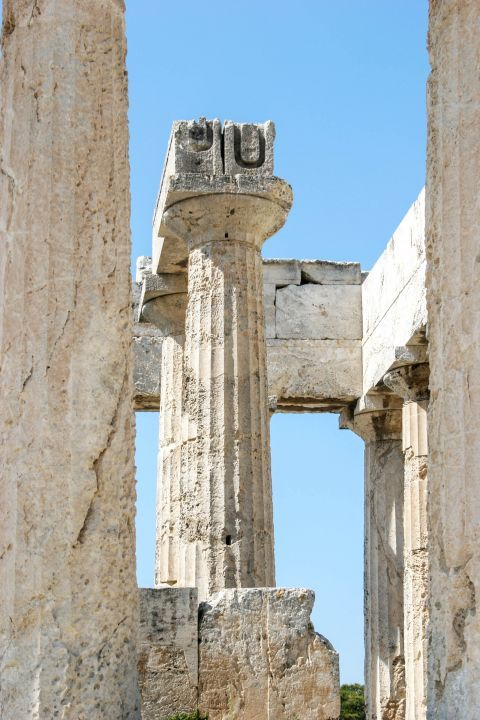 Athena Aphaia Temple: Nice details on the columns.