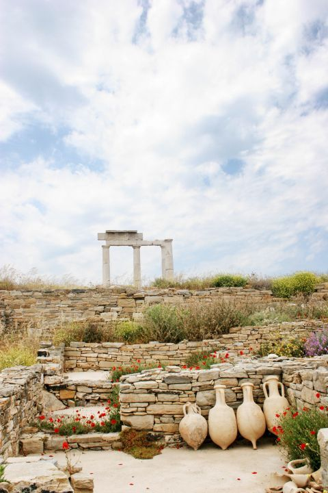 Amphora vases and ancient ruins in Delos