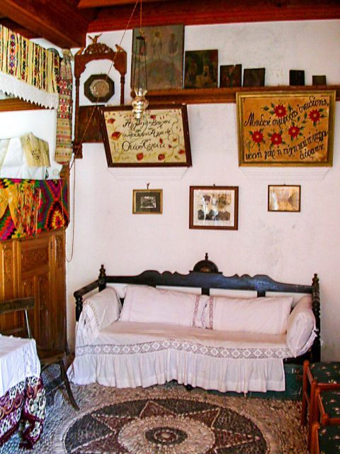 Othos Folklore Museum: The Folk Museum of Othos is a typical example of a fine Karpathian house.