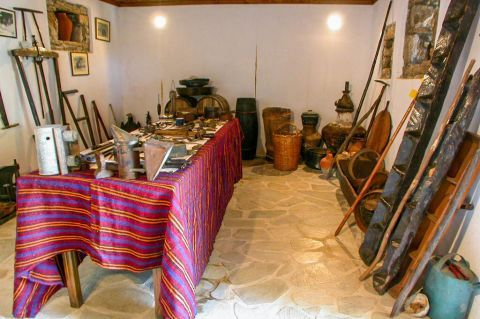 Theologos Folklore Museum: Various, old objects.