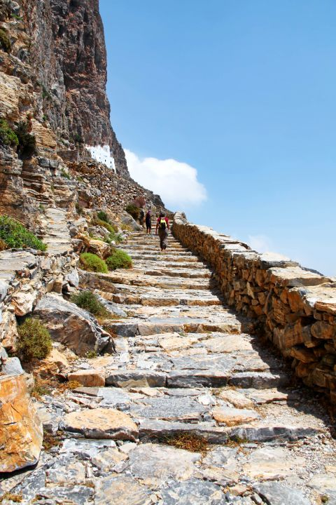 Hozoviotissa Monastery: The path leading to the Monastery