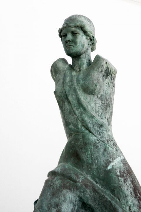 Goulandris Museum of Modern Art: A bronze statue, exhibited in the museum
